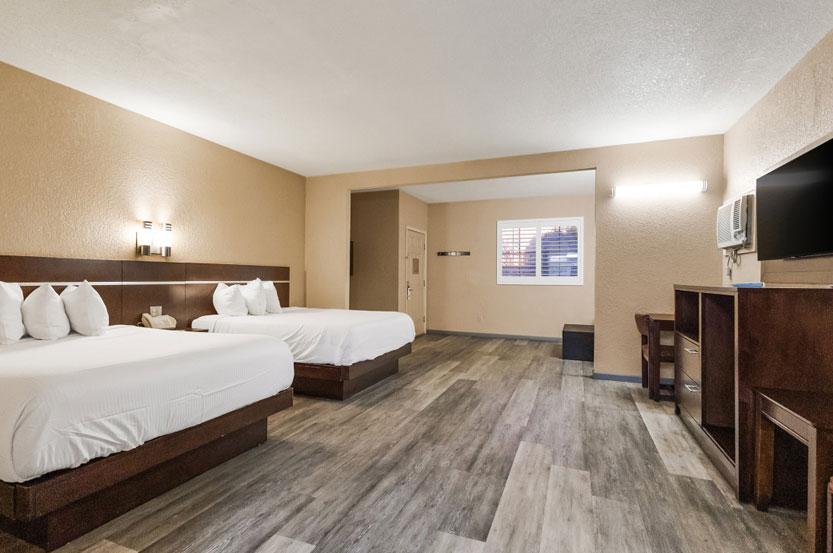 Two Queen Beds - Non Smoking
