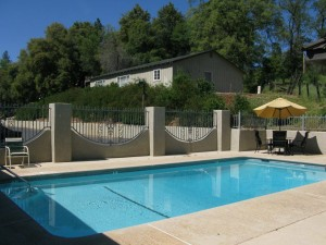 Country Inn Sonora - Relax In Our Pool