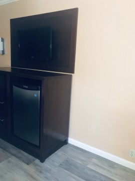 Guest rooms at Country Inn Sonora - All rooms refrigerator